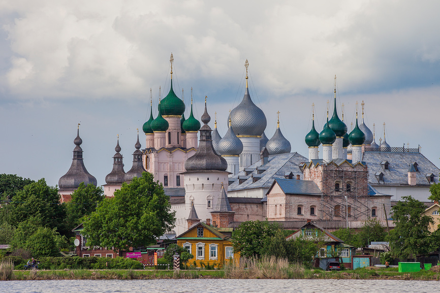 Ростов Великий. Вид на Ростовский кремль © Литвяк Игорь / Фотобанк Лори