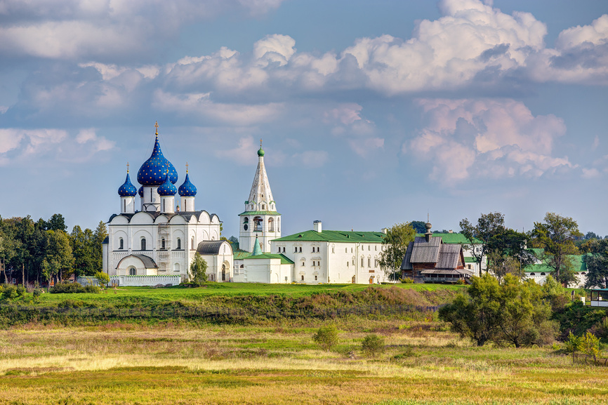 Архитектурный комплекс Суздальского кремля © Сергей Лаврентьев / Фотобанк Лори