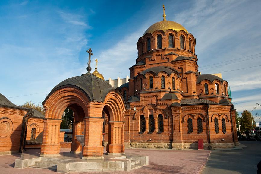 Россия, Сибирь, Новосибирск, часовня святителя Николая © Александр Циликин / Фотобанк Лори