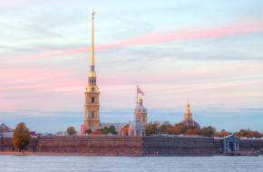 Санкт-Петербург. Вид на Петропавловскую крепость © Литвяк Игорь / Фотобанк Лори