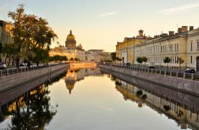 Санкт-Петербург. Утро. Река Мойка © Александр Алексеев / Фотобанк Лори