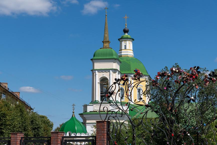 Воскресенская церковь на улице Орджоникидзе в Воронеже, Россия © Володина Ольга / Фотобанк Лори