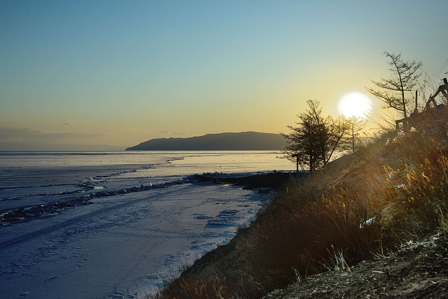 lake-winter-russia-baikal