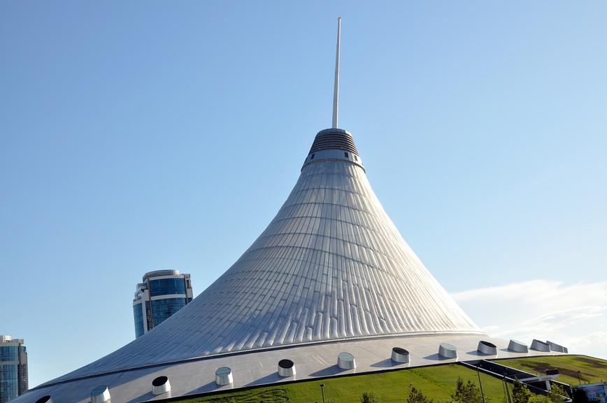 "Казахстан. Астана. ТРЦ ""Хан Шатыр"" (Ханский шатер) © Александр Тараканов / Фотобанк Лори"