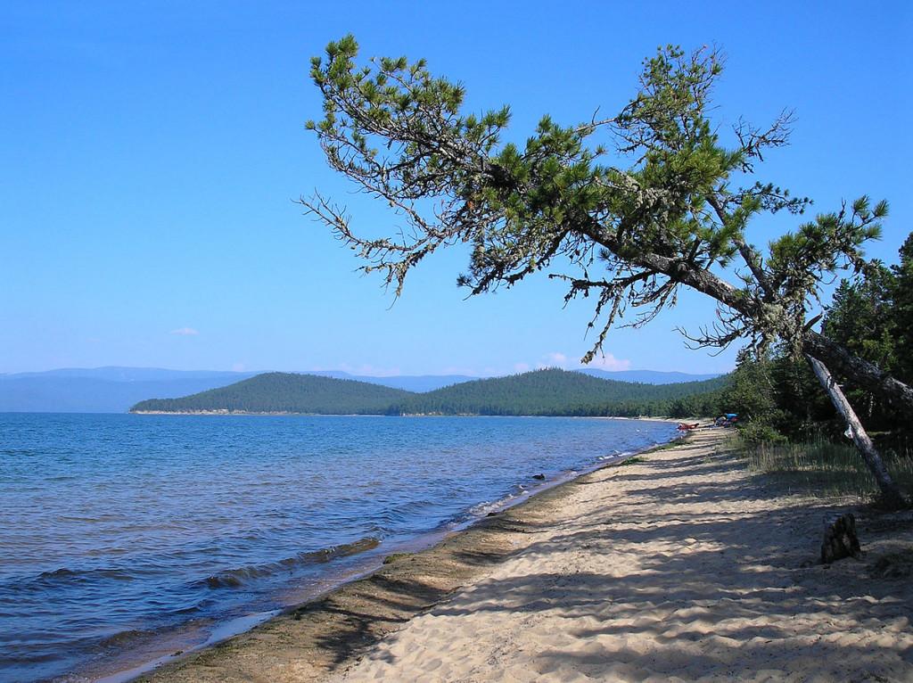 1200px-Озеро_Байкал