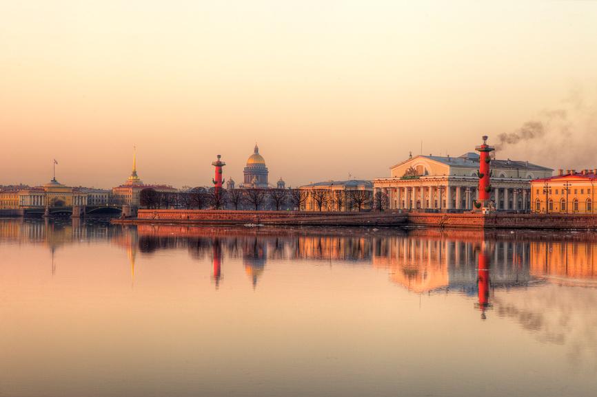 Санкт-Петербург. Вид на стрелку Васильевского острова © Литвяк Игорь / Фотобанк Лори