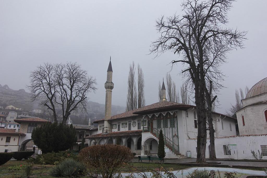 1200px-Бахчисарай._Большая_ханская_мечеть._Зима