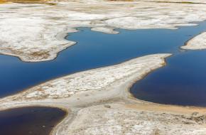 Соль на соленом озере в городе Соль-Илецк в Оренбургской области России. © Акиньшин Владимир / Фотобанк Лори