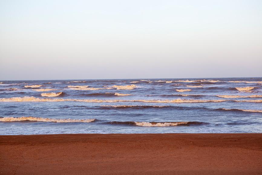 Каспийское море на закате. © Сергей Афанасьев / Фотобанк Лори
