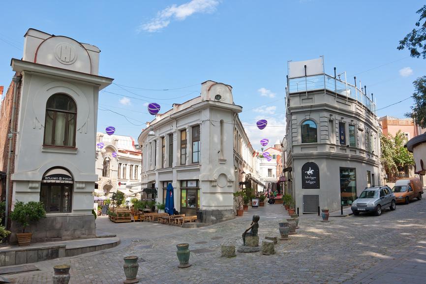 Улица Шардени — пешеходная улица в старой части города Тбилиси, столицы Грузии © Олег Хархан / Фотобанк Лори